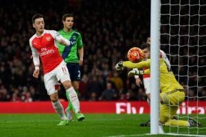 Arsenal vs Southampton. Duel tare in sferturile Cupei Ligii Angliei.