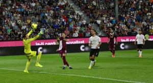 CFR Cluj nu-si mai permite pasi gresiti - Astra, nuca tare pentru liderul Ligii 1