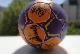 Concurs // Pontul-Zilei te premiază cu o minge semnată de handbalistele de la CSM București