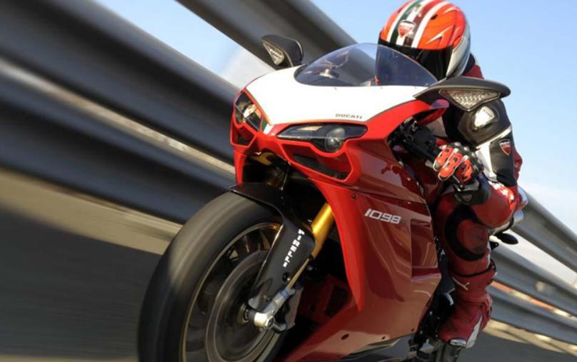 curse de motociclete la baumbet