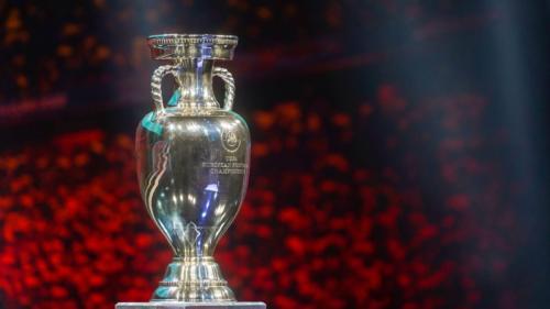 Cele mai indragite si fredonate imnuri ale Campionatului European de fotbal! Stilurile muzicale si artistii care au incantat miile de iubitori ai fotbalului!