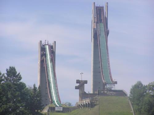 trambuline sarituri ski