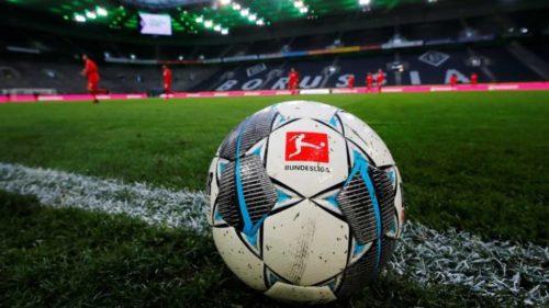 Robert Lewandowski este jucătorul lunii din eBundesliga! Ce card a primit în FIFA 21